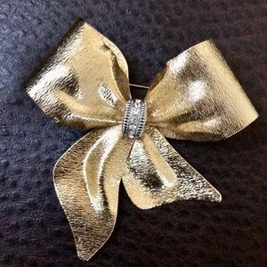 Vintage Gold Metal Bow Brooch